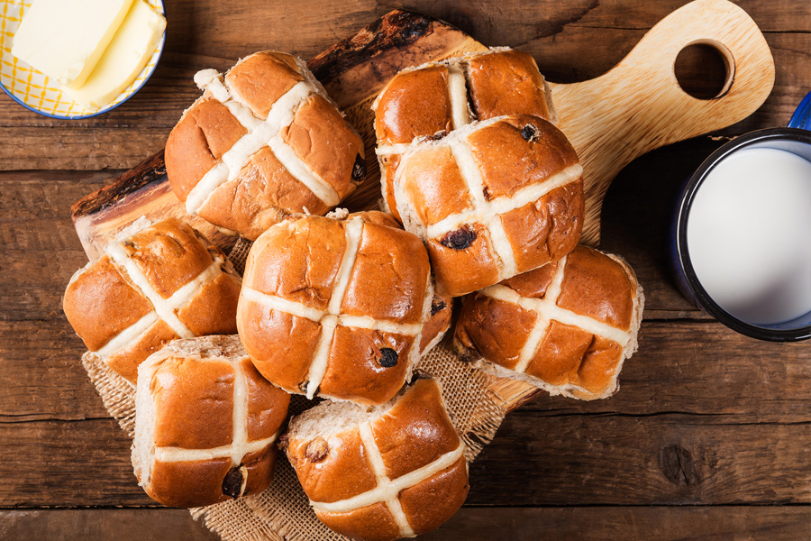 Hot Cross Bun Recipe | Damart Style Diaries