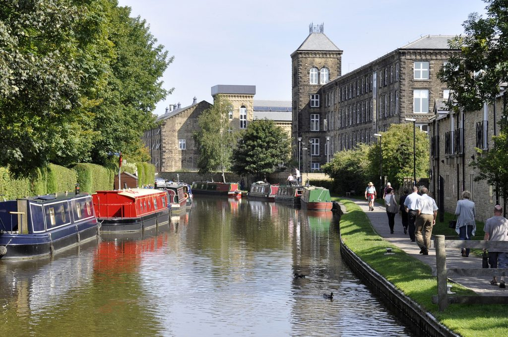 Leeds and Liverpool Canal | Damart Style Diaires