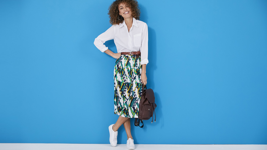 Daytime comfort pleated skirt